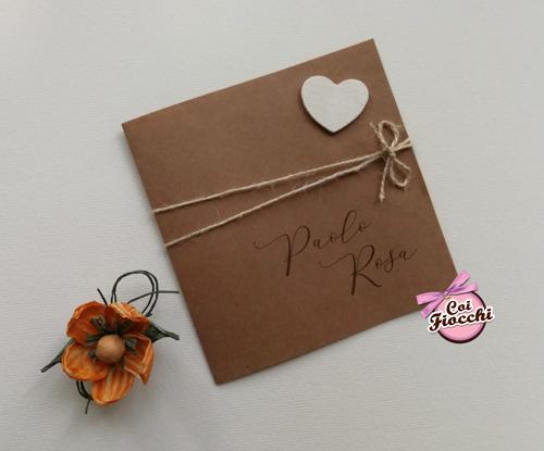 partecipazione matrimonio in stile shabby quadrato in carta naturale con cuore.