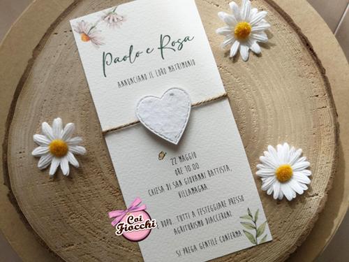 Partecipazione nozze con cuore in carta piantabile stile shabby chic