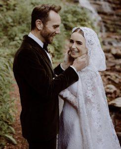 abito da sposa invernale di lily collins il giorno del suo matrimonio